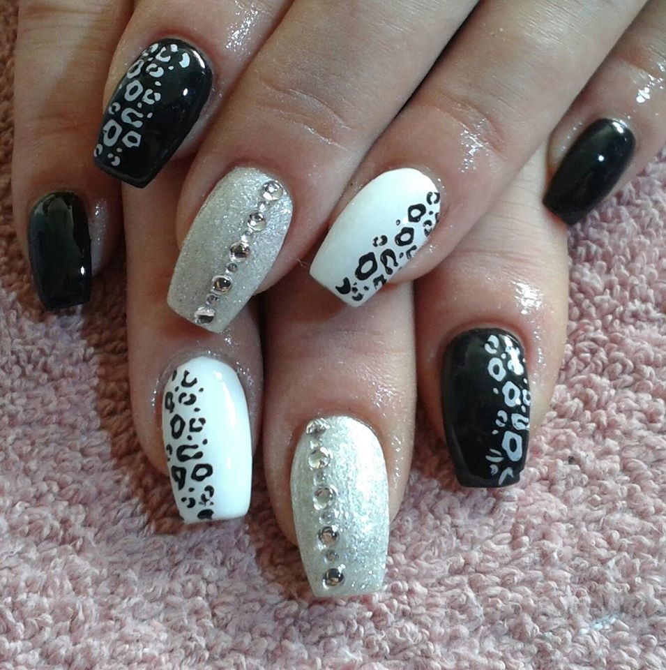 Black And White Nails With Images